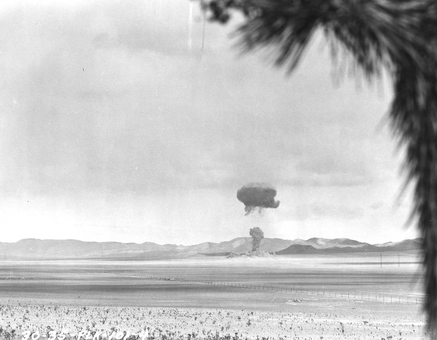 Teste com bomba de U-233 durante a Operação Teapot, 1955