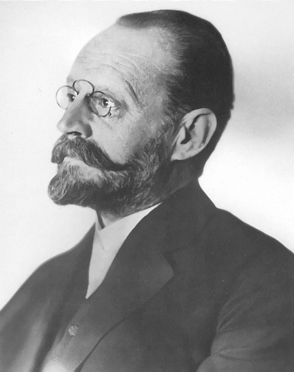 O sistema de iluminação criado por Carl Auer usava óxido de tório, derivado da monazita. As lâmpadas eram usadas na iluminação pública de grande parte da Europa.