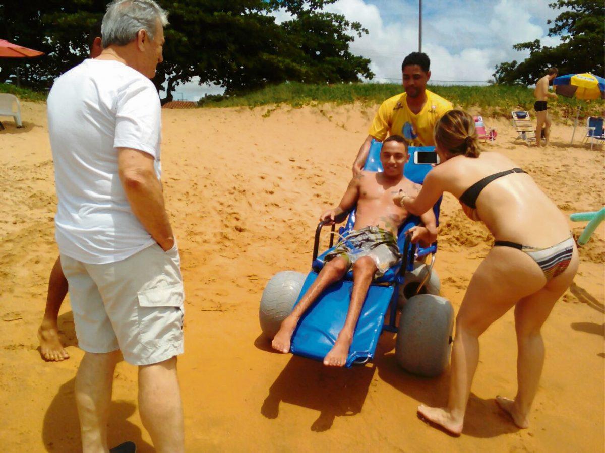 Praia acessível a todos na Barra do Sahy