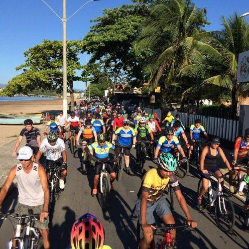 Mais de 200 pessoas participam de passeio ciclístico em Anchieta