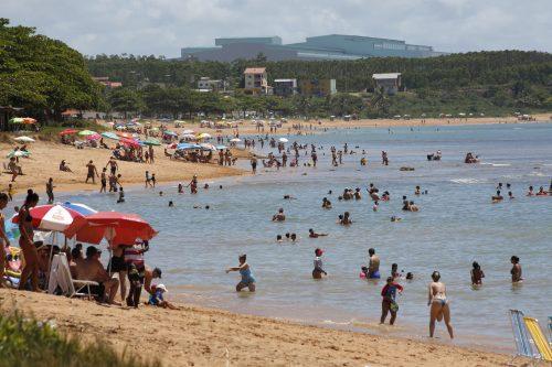 Diversidade de praias e moqueca boa no litoral de Aracruz