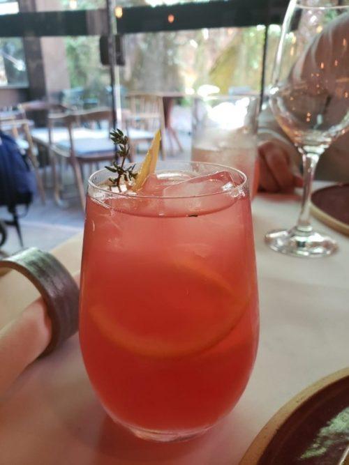 Drinques sem álcool são a pedida para se refrescar no verão